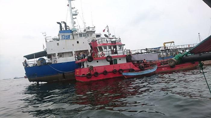 Diduga Lakukan Aksi Illegal di Perairan Tanjung Priok, 2 Kapal Angkut BBM Diamankan Bakamla RI