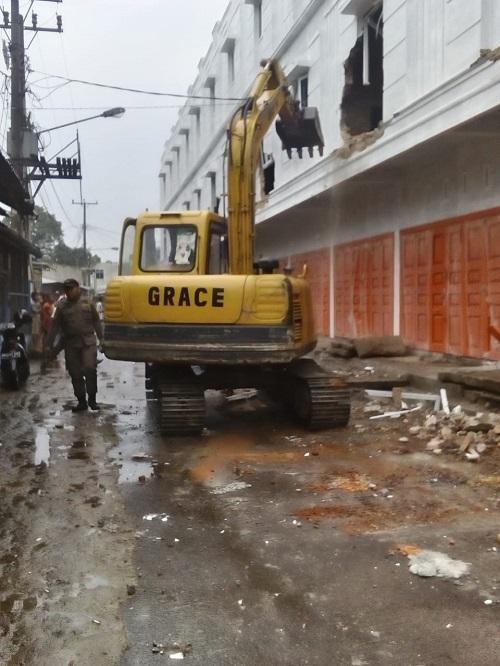 Tak Miliki IMB, 11 Unit Ruko di Jalan Sunggal Dibongkar Pemko Medan