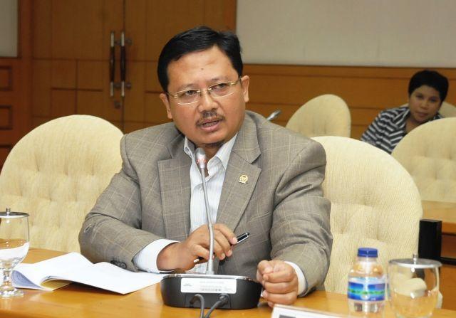 Komisi V Dorong Pemerintah Libatkan Kontraktor Lokal dalam Proyek APBN