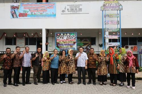 SD Negeri di Belawan Komitmen Bimbing Karakter Anak Peduli Sampah dan Kebersihan