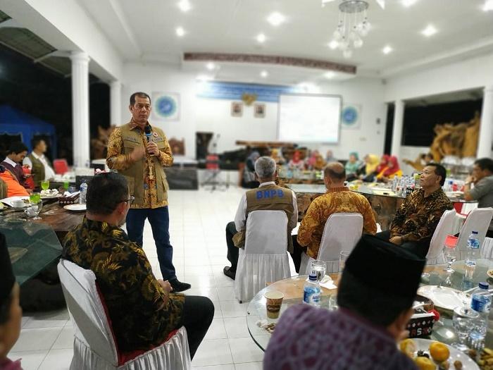 Kepala BNPB Ajak Warga Huta Bargot Tambang Emas Hijau di Madina