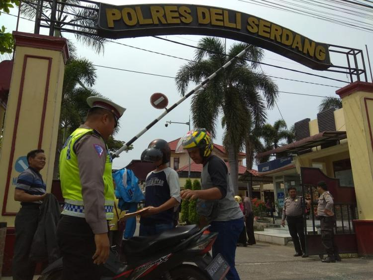 Antisipasi Teror, Polres Deli Serdang Perketat Pengamanan di Pintu Masuk