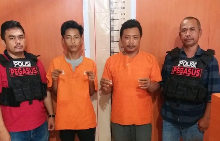 Polsek Patumbak Tangkap Dua Pria Terlibat Transaksi Sabu di Jalan Balai Desa
