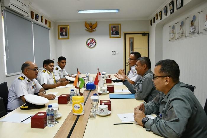 KaBakamla RI Terima Courtesy Call Komandan Indian Coast Guard Ship Shaurya
