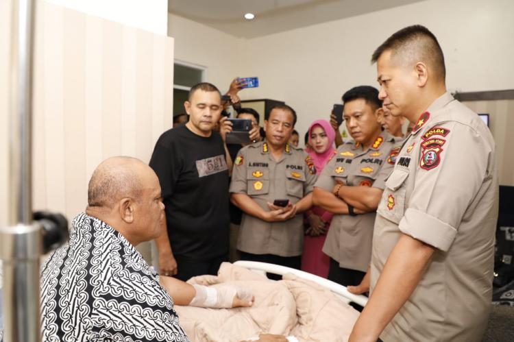 Jenguk Korban Luka Bom Bunuh Diri, Wakapolda Sumut: Kondisi Kota Medan Aman dan Kondusif