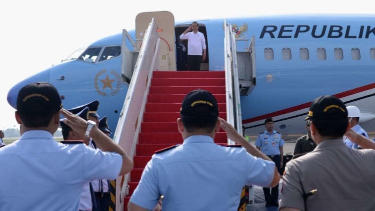 Presiden Jokowi Resmikan Jalan Tol di Lampung