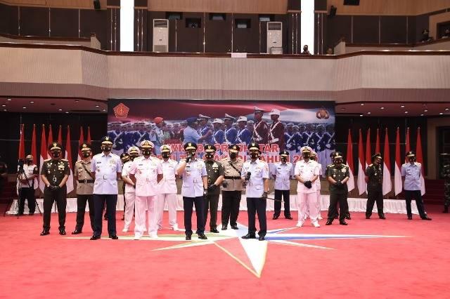 Panglima TNI Wisuda 923 Prajurit dan Bhayangkara Taruna di Mabes Cilangkap