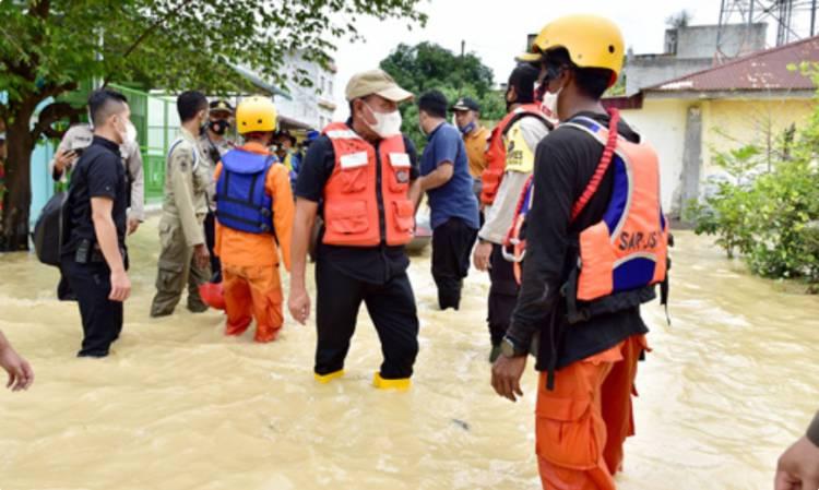 Gubernur Edy Rahmayadi Gerak Cepat Tangani Bencana Banjir di Kota Tebing Tinggi