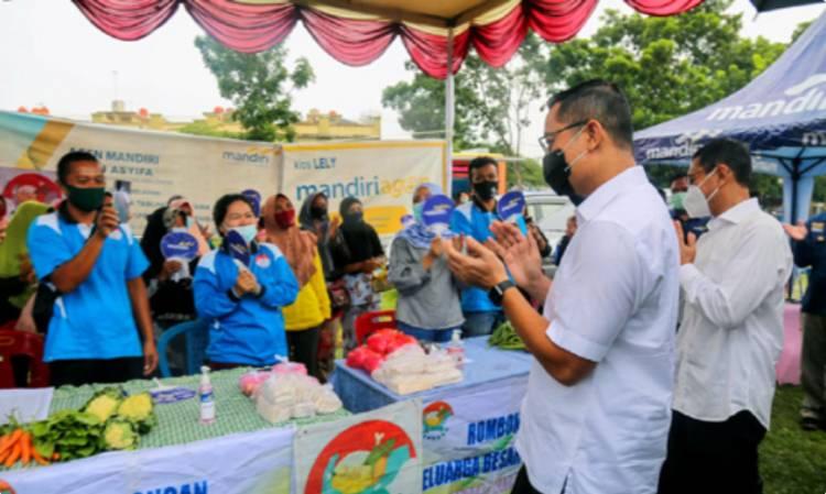 Mensos Juliari P Batubara Tinjau Langsung Pencairan Bansos di Kabupaten Simalungun