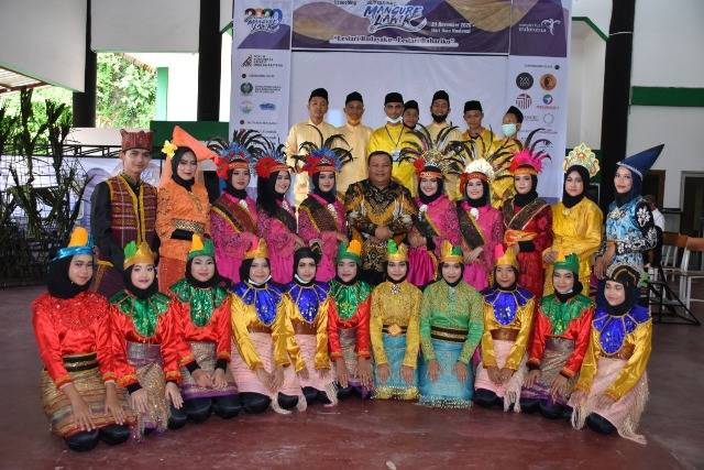 Walikota Sibolga Apresiasi Festival Mangure Lawik Buah Karya FKK-ST
