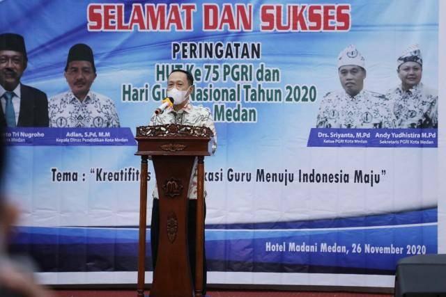 Peringatan Hari Guru Nasional dan HUT PGRI ke-75, Pjs Wali Kota Medan Ajak Guru Ikuti Perkembangan Teknologi