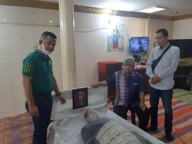 Melayat ke Rumah Alm Japiker Siburian, Ketua Pewarta: Semasa Hidup Beliau Suka Menolong