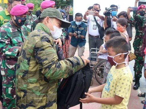 Arief Sudarto Buka Aksi Bakti Sosial HUT Ke-75 Marinir di Belawan