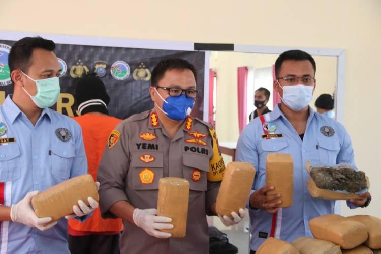 Polresta Deli Serdang Amankan 2 Kurir Bawa 26 Kg Ganja dan 2.297 Butir Pil Happy Five