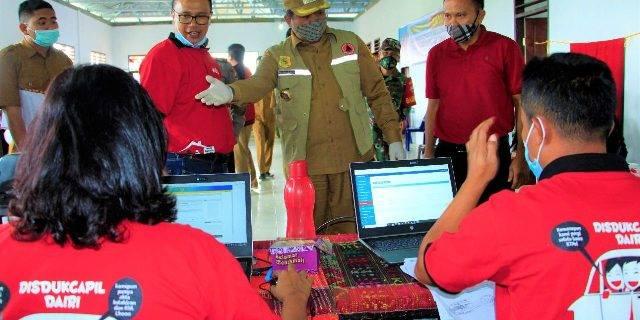 Bupati Dairi Hadiri Pelayanan Jempol di Desa Tanjung Beringin I