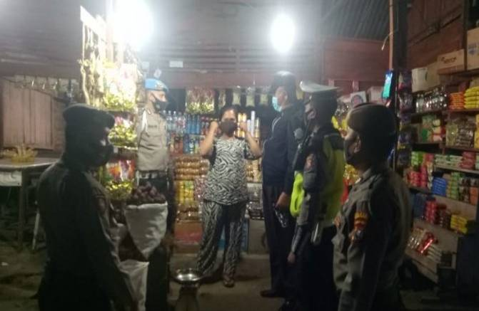 Polres Tapsel Patroli Prokes di Kecamatan Angkola Timur