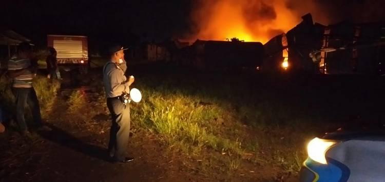 Gudang Thinner di Tanjung Morawa Ludes Terbakar