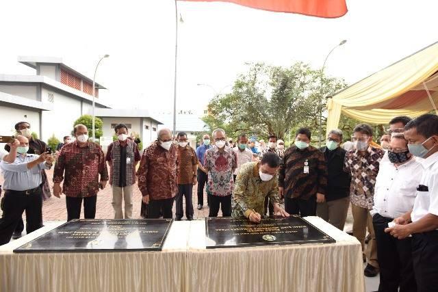 Rektor Resmikan Paviliun Eksekutif Sibayak dan Ruang Isolasi Covid-19 RS USU