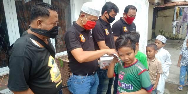 Jumat Barokah, Ketua Pewarta Tetap Utamakan Prokes Santuni Ratusan Anak Yatim