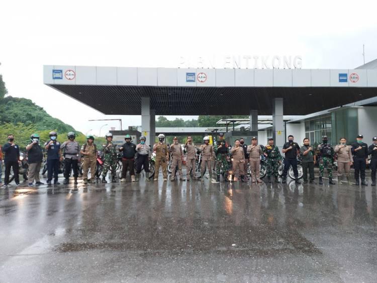 Satgas Yonif 642/Kapuas Patroli Keamanan Perbatasan Bersama Pilar Entikong