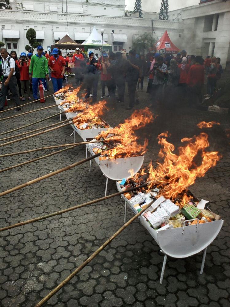 BPOM RI Musnahkan Ratusan Ribu Obat, Kosmetik dan Bahan Pangan Ilegal di Medan
