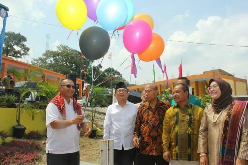 Sambangi SMK Gelora Jaya Nusantara, Plt Wali Kota Medan Ajarkan Siswa Berkarakter Bersih