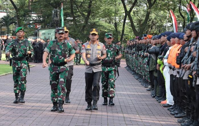 Panglima TNI dan Kapolri Pimpin Apel Pengamanan Natal dan Tahun Baru di Lapangan Benteng Medan