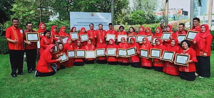 32 Sekolah se-Kabupaten Deli Serdang Terima Penghargaan Adiwiyata Nasional dan Adiwiyata Mandiri 2019