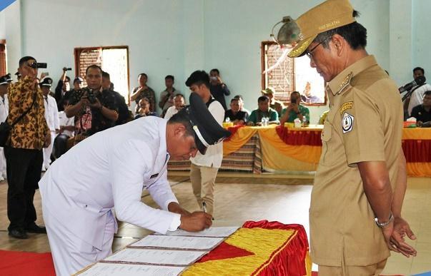 Bupati Nisel Tekankan Para Kepala Desa Laksanakan Tugas dan Tanggungjawab