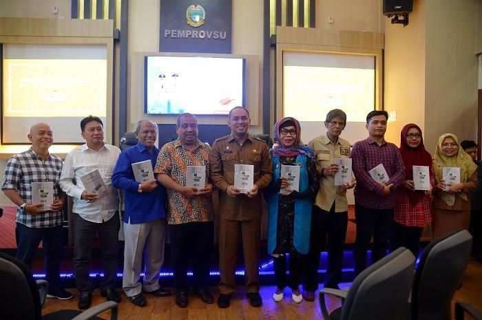 Biro Humas dan Keprotokolan Sumut Luncurkan Buku Bunga Rampai Pers Sumut, Zaman Kolonial Hingga Milenial