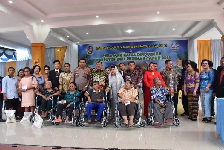 Bupati dan Wabup Menghadiri Perayaan Natal Oikumene dan LPSG Kabupaten Deli Serdang