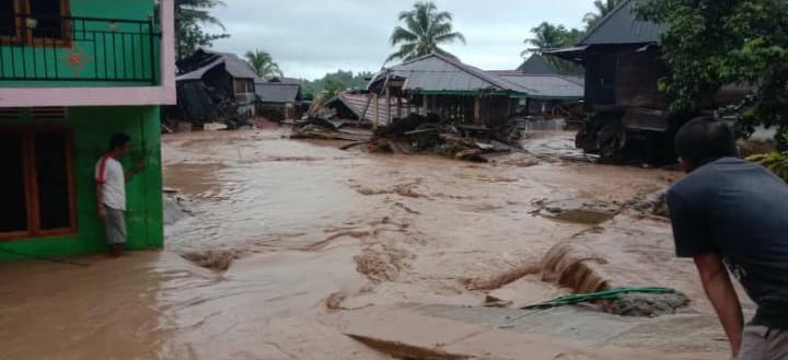 Diterjang Banjir Bandang, 7 Rumah Hanyut di Tiga Desa di Lahat