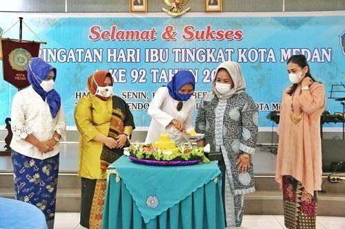 Peringati Hari Ibu, Hj Nurul Khairani Akhyar Ajak Kaum Ibu Dukung Pembangunan di Kota Medan