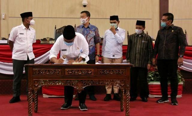 DPRD dan Pemko Sahkan Ranperda Tentang Perusahaan Umum Daerah Pasar Kota Medan dan Perusahaan Umum Daerah Pembangunan Kota Medan
