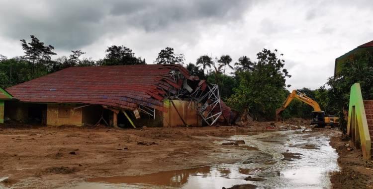 Jelang Puncak Musim Hujan, BNPB: Waspada Bencana Hidrometeorologi