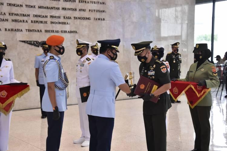 Kolonel Inf Edwin, Mantan Ajudan Wapres Raih Predikat Lulusan Terbaik Sesko TNI Angkatan XLVII
