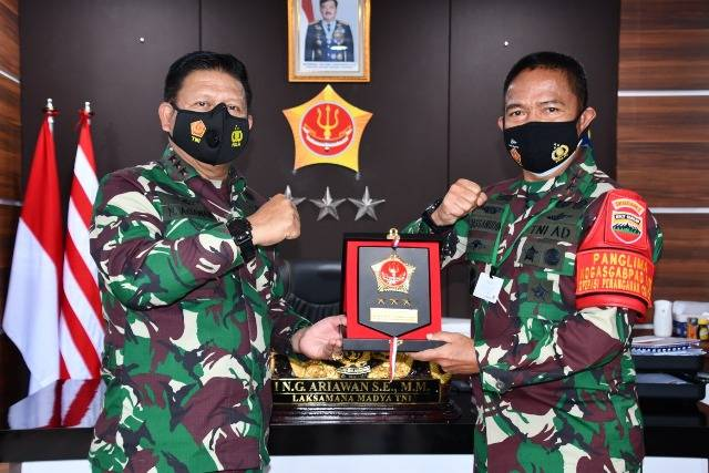 Pangkogabwilhan I Terima Kunjungan Pangdam I Bukit Barisan di Tanjung Pinang