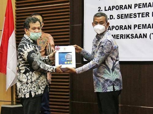 BPK RI Perwakilan Sumut Serahkan LHP Kepatuhan Belanja Daerah Tahun 2020 kepada Pemko Medan