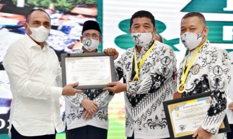Edy Rahmayadi Serahkan Medali untuk 22 Pemenang Gurulympics PGRI 2020, Ini Nama-Namanya