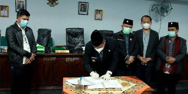Rapat Paripurna Pemkab dan DPRD Dairi, Enam Perda Disahkan