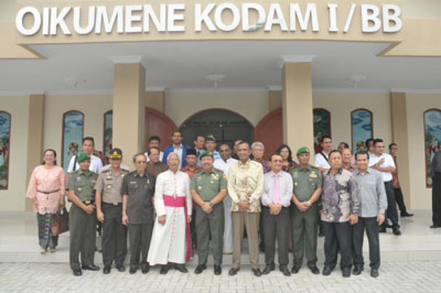 Pangdam Resmikan Pura Satria Bhuana dan Gereja Oikumene Kodam I/BB