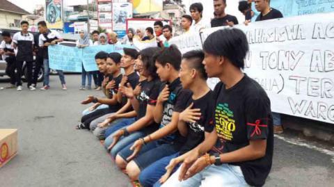 Protes PM Australia, Mahasiswa Aceh Menari Saman dan Kumpulkan Koin