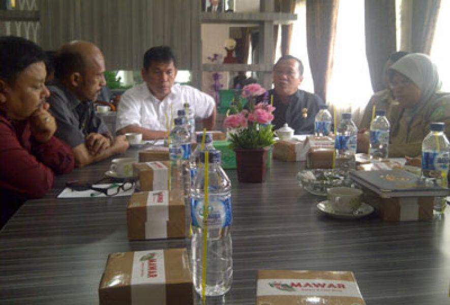 Komisi D DPRD Medan Minta Dinas Pertamanan Tertibkan Papan Reklame Manyalah