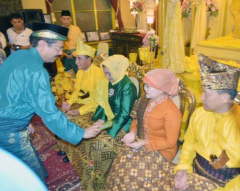 Pangdam I/BB dan Kapolda Sumut Diangkat Jadi Warga Kehormatan Melayu