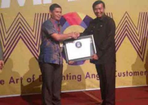 XL Raih The Best Champion WOW Service Excellence Award