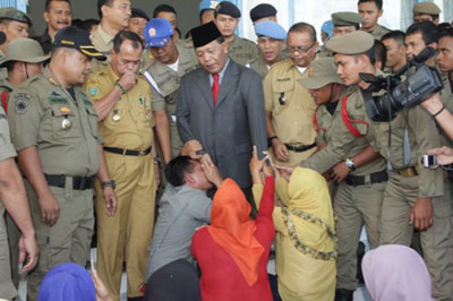 Plt Bupati Madina Janji Tuntaskan Persoalan Penerimaan CPNS 2013