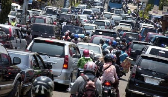 Jelang Lebaran, Arus Lalu Lintas di Medan Mulai Alami Kemacetan