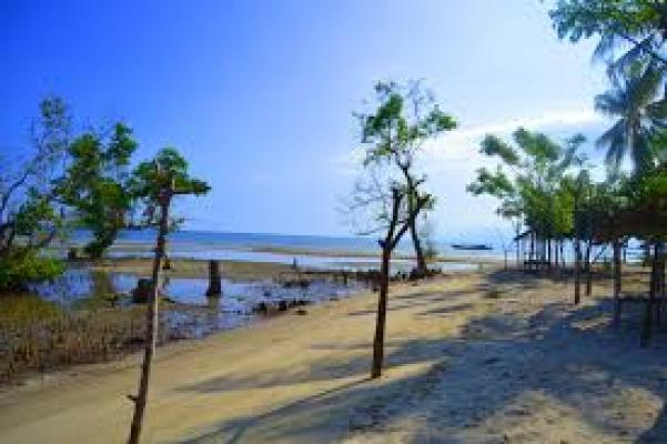 Pantai Muara Indah Disulap Jadi Romance By Island