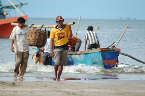 Terkait Pembagian Kartu Nelayan, Pemerintah Kabupaten dan Kota Harus Proaktif