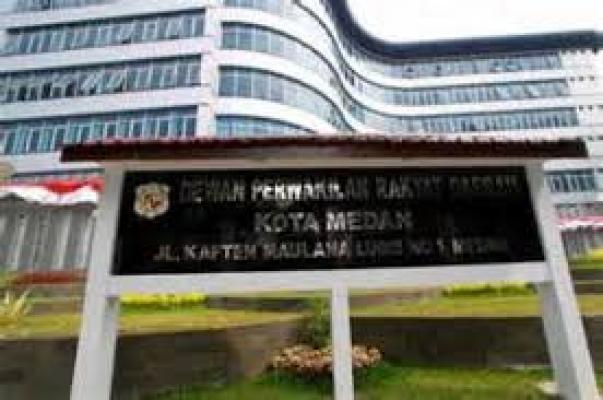 Walikota Medan Respon Keinginan DPRD Soal Revisi Perda Pajak Reklame
